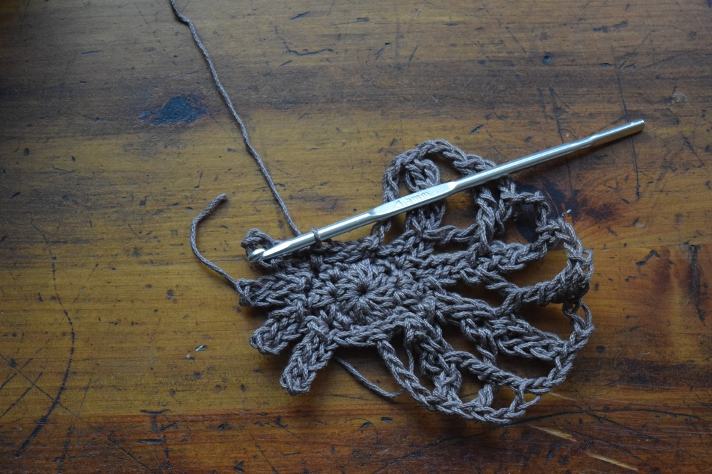 A close up of a rope  Description automatically generated